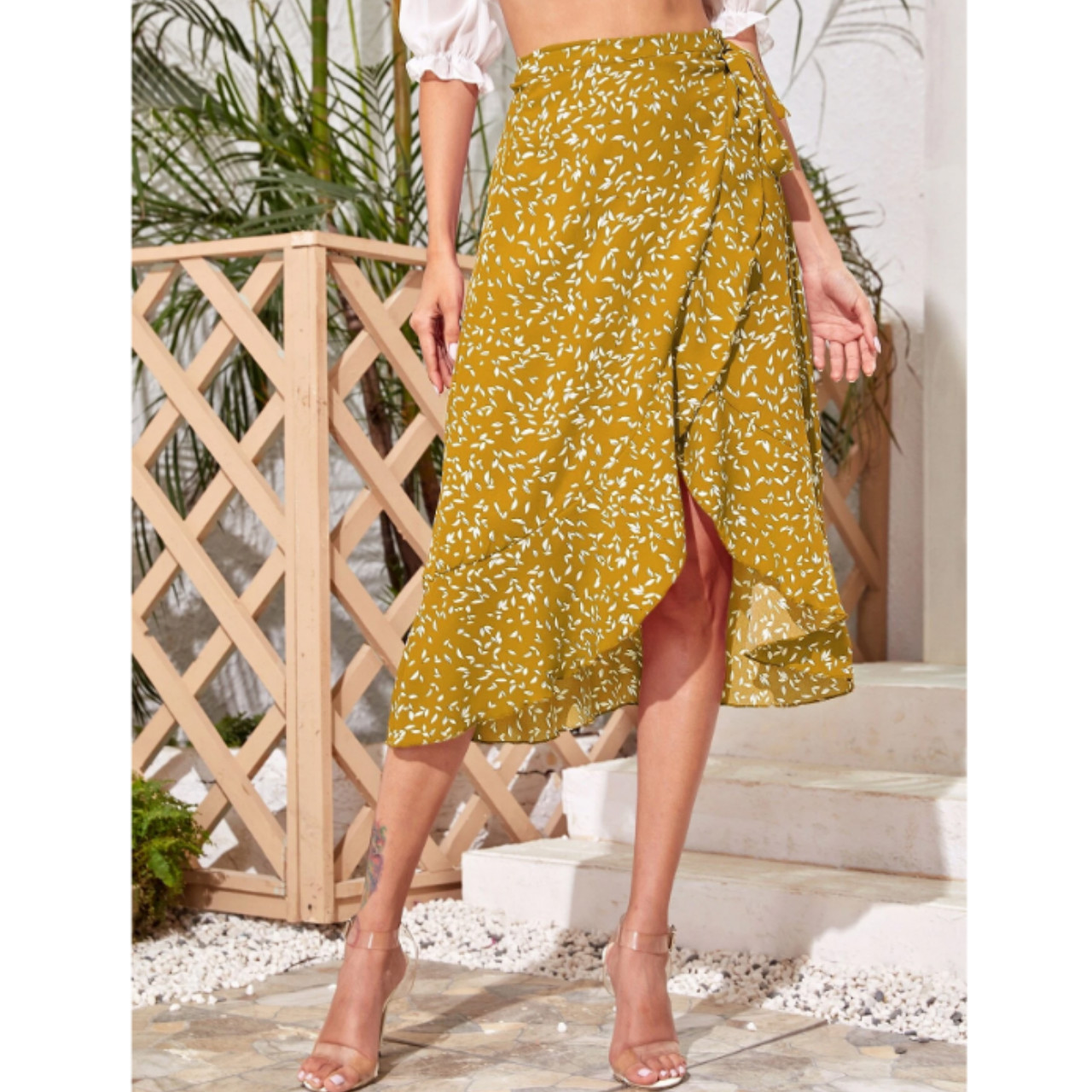 Ruffle hem wrap knotted all over print skirt m