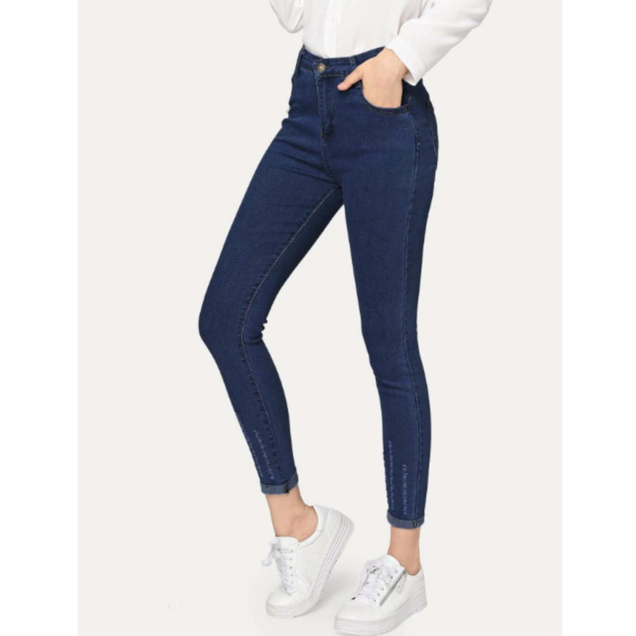 Roll up hem skinny jeans l