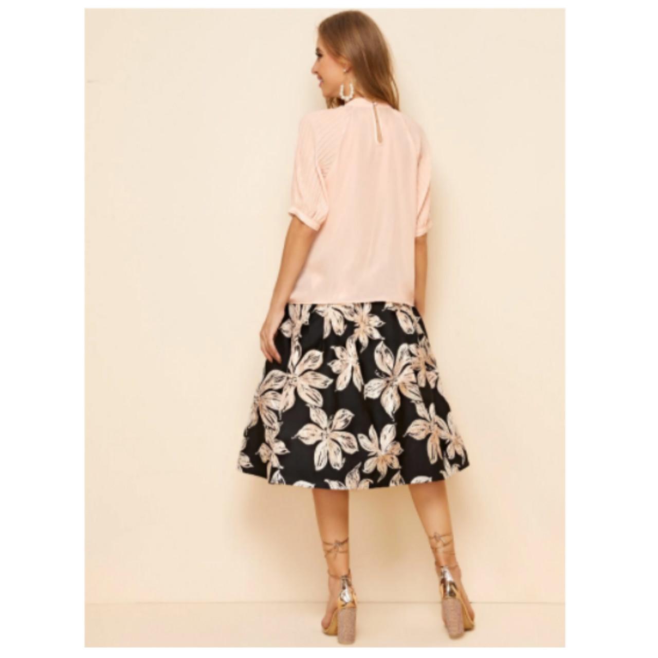 Shein raglan sleeve pearl brooch top and jacquard print skirt set m